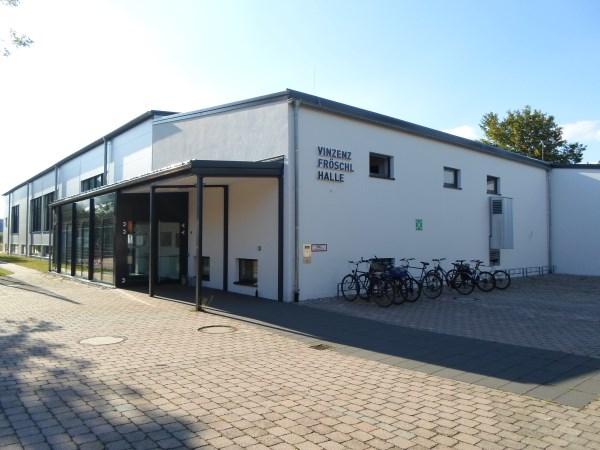 Vinzenz Fröschl Halle